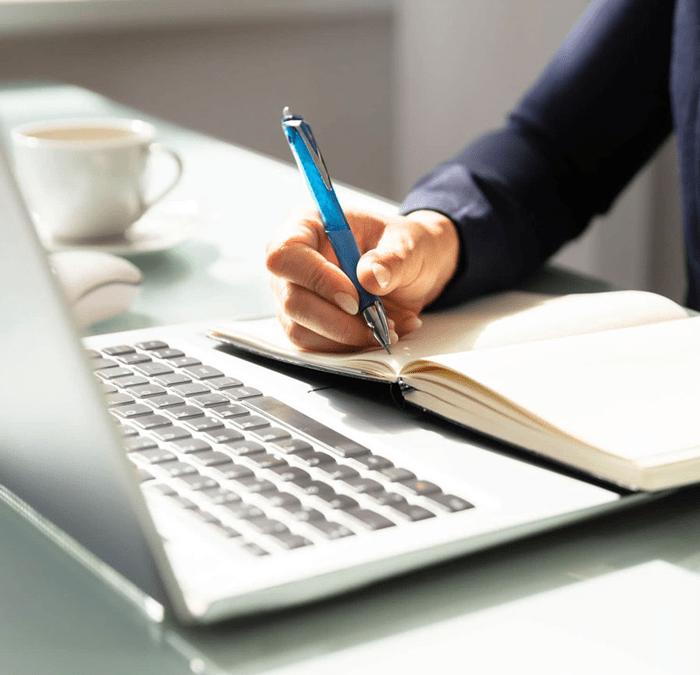 por qué confiar la gestión de redes a un copywriter
